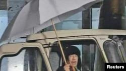 Муамар Каддафи 21 февраля 2011 года. Кадр ливийского телевидения