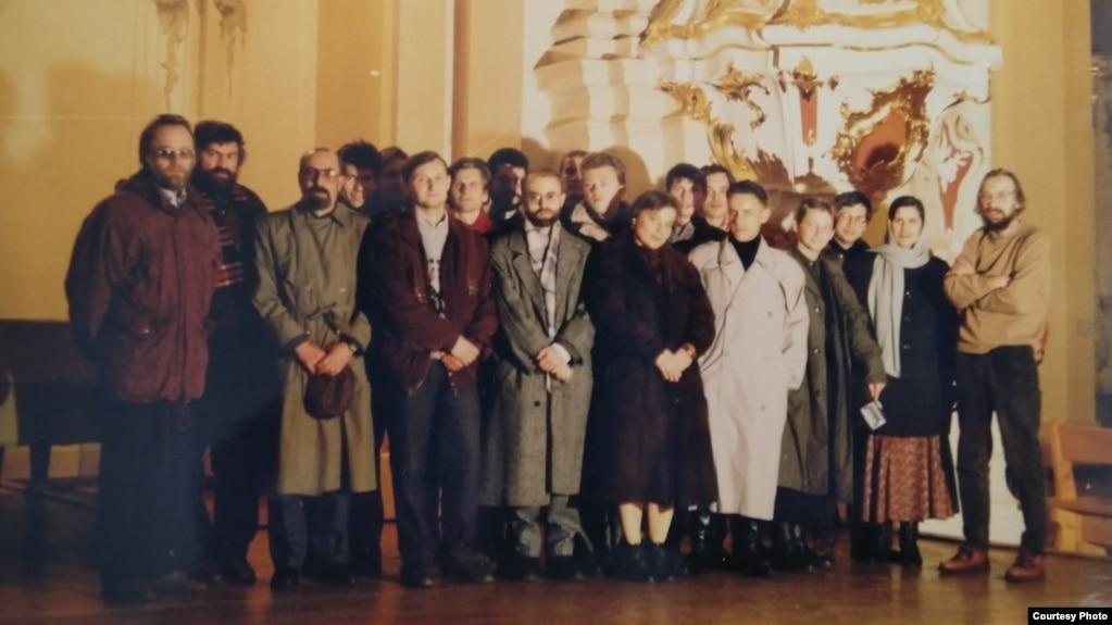 Удзельнікі таварыства вольных літаратараў на творчым сэмінары ў Полацку, 1995 г.