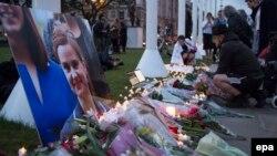 Միացյալ Թագավորություն - Լոնդոնում հարգանքի տուրք են մատուցում սպանված պատգամավոր Ջո Կոքսի հիշատակին, 16-ը հունիսի, 2016թ․