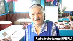 Жителька окупованого Донецька каже, що, попри дорожнечу, від улюбленого сала відмовитися не може