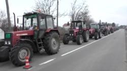 Poljoprivrednici blokirani blizu Beograda