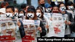 ادامه اعتراضات در برما