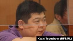 Алдаяр Исманкулов, осужденный на 17 лет за убийство киргизского журналиста Геннадия Павлюка