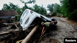 Минулого тижня захід України вразили сильні повені, що спричинили значні руйнування – за оцінками, ще більші, ніж так само руйнівні повені в регіоні 2008 року