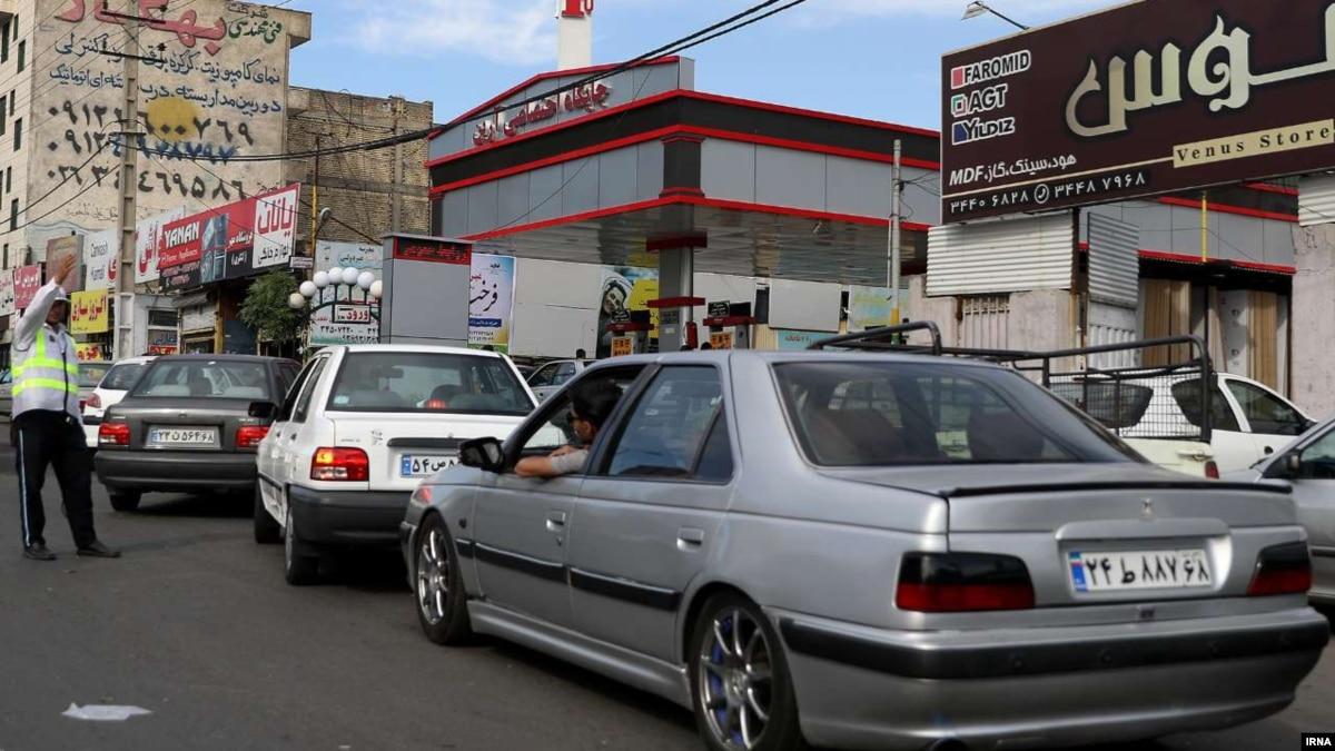 Иран вводит ограничения на покупку бензина