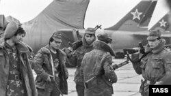 Нохчийчоь -- Оьрсийчоьнан эскарш Соьлж-ГIаларчу Ханкала кеманпортехь, 15Лахь1991