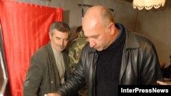 Предвыборные участки в Верхний Рук, где должны голосовать приехавшие из Северной Осетии избиратели, открылись не в 8 часов, а в 9