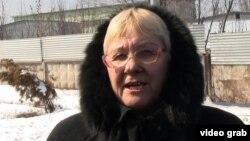 Валентина Лотикова, қырғызстандық нөмірлі көлік иесі. Алматы, 12 наурыз 2014 жыл.