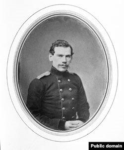 Лев Толстой в военной форме, 1856 год