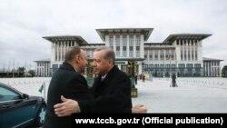 Erdoğan İlham Əliyevi belə qarşıladı - [fotolar]
