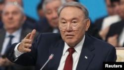 """Қазақстан президенті Нұрсұлтан Назарбаев """"Нұр Отан"""" партиясы съезінде. Астана, 11 наурыз 2015 жыл."""
