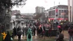 Përshkallëzohet situata në Prishtinë