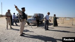 Припадник на безбедносните служби на Египет на контролен пукт кој бил цел на напад во мај, годинава.