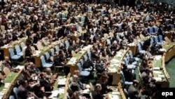 «Tarixi səsvermə» ilə BMT Baş Assambleyası İnsan Haqları Şurasının yaradılmasına qərar verir, 15 mart 2006