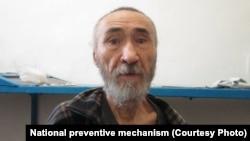 15 жыл қамауда отырған диссидент ақын Арон Атабектің қазіргі бейнесі. Павлодар, 18 тамыз 2021 жыл.