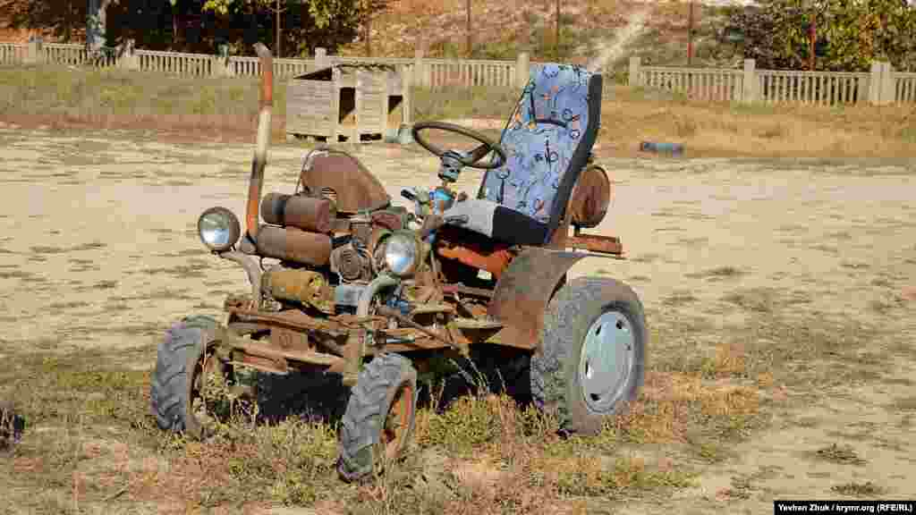 В Сахарной Головке можно встретить такой необычный вид транспорта. Правда, его назначение корреспонденту выяснить так и не удалось