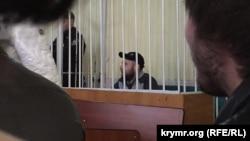 «Fevral 26 işi» figurantı Mustafa Degermenci Aqmescitteki Kyiv rayonı mahkemesinde, 2015 senesi noyabr 17 künü