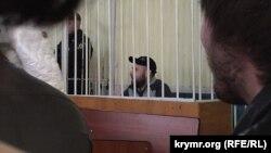 Aqmescitniñ Kiyev rayon mahkemesi. «Fevral 26 işiniñ» mabusı Mustafa Degermenci, arhiv resim