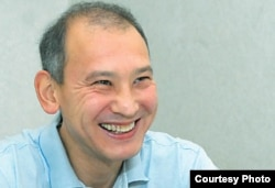 Арестованный бывший президент «Казатомпрома» Мухтар Джакишев дает интервью корреспонденту газеты «Время» в следственном изоляторе КНБ. Астана, июль 2009 года.