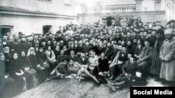 Перший Курултай кримськотатарського народу. Бахчисарай, 1917 рік
