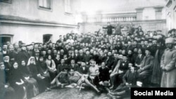 Первый Курултай Крымскотатарского народа в Бахчисарае, 1917 год