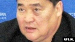 """Рамазан Есіргепов, """"Алма-Ата инфо"""" газетінің бас редакторы. Алматы, 24 желтоқсан 2008 ж."""
