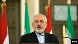 محمدجواد ظریف می گوید که «تغییری بنیادین» در نحوه برخورد با ایران صورت گرفته است.
