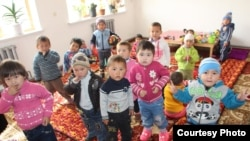 Дети в детском саду в Кыргызстане.
