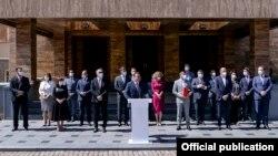 Македонската влада пред Собрание