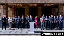 Претседателот на СДСМ, Зоран Заев до Собранието ги достави Предлог Програмата за работа и Предлог составот на новата Влада на Република Северна Македонија.