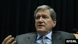 Richard Holbrooke at a press conference in Kabul
