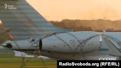 Той самий Bombardier Global Express 6000 з австрійською реєстрацією та бортовим номером OE-IDO, яким постійно користується Віктор Пінчук