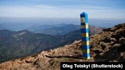 Позначення українського державного кордону в Карпатських горах