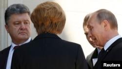 Попередня зустріч українського і російського лідерів за участю західних голів держав відбулася 6 червня в Нормандії