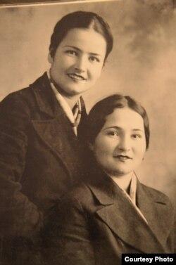 Сание и Сакине Налбандовы