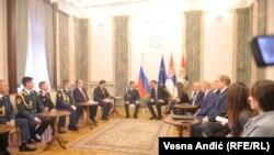 Članovi vojnog hora Aleksandrov sa predsednikom Srbije Aleksandrom Vučićem