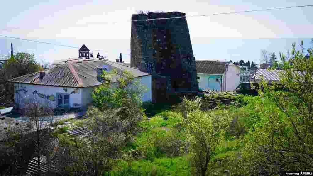 Вид на крепость с северной стороны.
