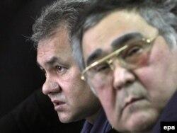 2010 год. Аман Тулееў з тагачасным кіраўнікоў МНС Сяргеем Шаўгу.