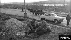 Imagine din timpul războiului din Transnistria (din expoziția fotoreporterului Dmitri Borko, la Radio Europa Liberă)