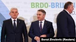 Članovi Predsjedništva BiH (slijeva na desno) Šefik Džaferović, Željko Komšić i Milorad Dodik, samit Brdo-Brijuni, 17. maj 2021.