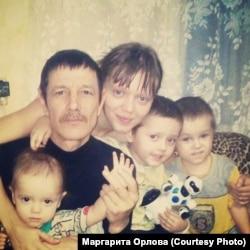 Ровшан Кагиров с женой и детьми