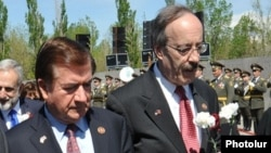 U.S. Representatives Ed Royce (left) and Eliot Engel (right) warned of Iran's influence.