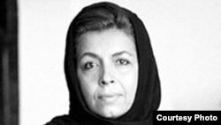 لیلی گلستان بیش از سه دهه است که در ایران در زمینه نشر، ترجمه و نویسندگی فعال است.