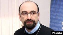Armenia - U.S.-Armenian businessman and philanthropist Nareg Hartounian.