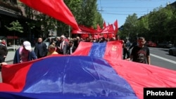 Armenia - The Armenian Communist Party holds a May Day demonstration in Yerevan, 1May2015.