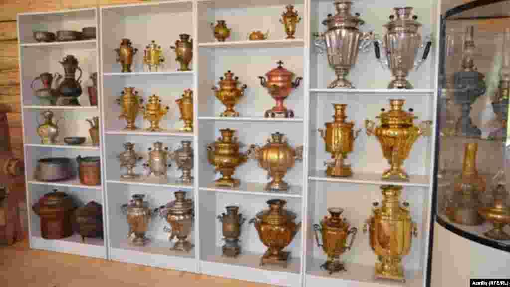 Музейда самавырлар коллекциясе