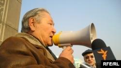 Серикболсын Абдильдин, лидер Коммунистической партии Казахстана (фото из архива).
