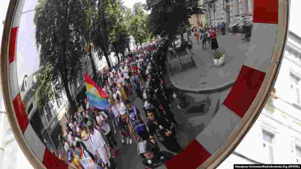 По итогам Марша равенства, Национальная полиция заявила о 3000 участников, организаторы же – о 8000.