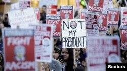 Protest anti-Trump la Washington
