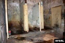 Bakıda ictimai tualet 2009-cu il.